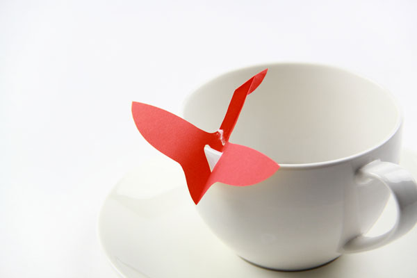 origami-flying-teabag-tag-crane